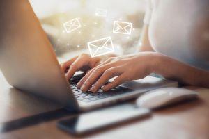 """Qué son los """"pixeles espías"""" que grandes empresas te envían en sus mails para acceder a tu información privada"""
