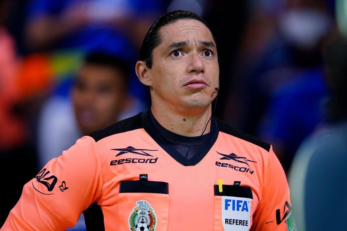 VIDEO: Una increíble jugada del árbitro evitó un gol cantado de Cruz Azul