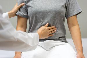 Por qué a veces aparece un dolor en la parte izquierda del abdomen