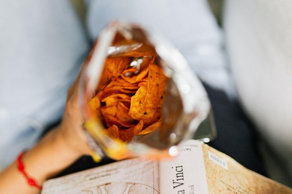 Los peores bocadillos suelen proporcionarte calorías vacías e ingredientes que pueden afectar tu salud.