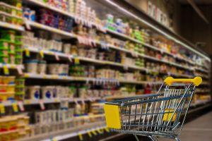 7 alimentos saludables que puedes comprar en una tienda de un dólar