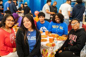 The American Dream School: Una familia donde niños latinos se forman para perseguir sus sueños