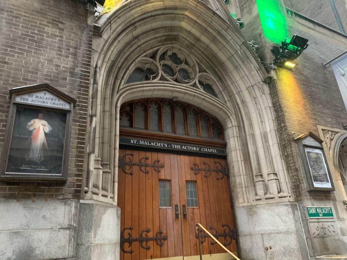 Neoyorquinos celebrarán Semana Santa con iglesias abiertas con límites y ceremonias virtuales