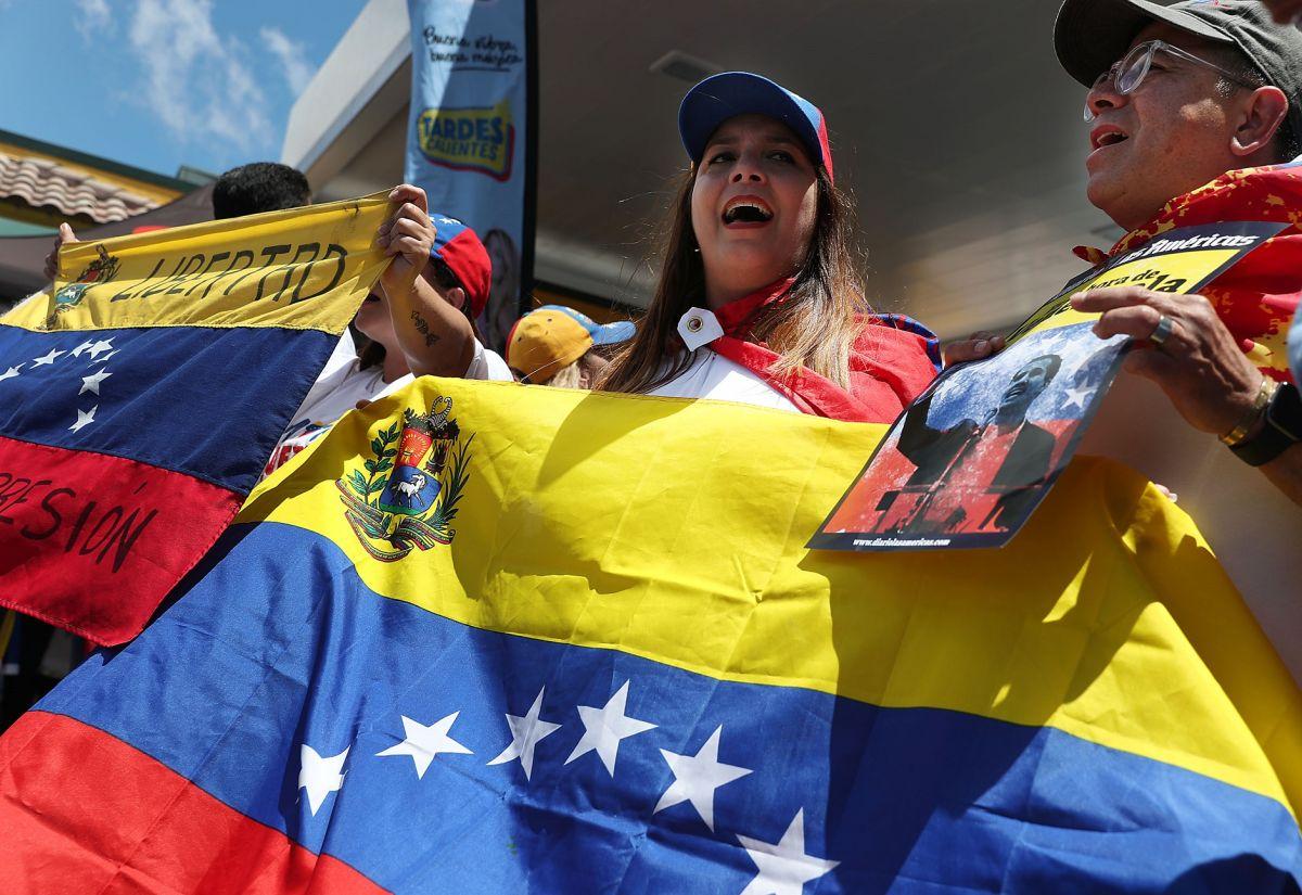 Los venezolanos podrán aplicar por TPS.