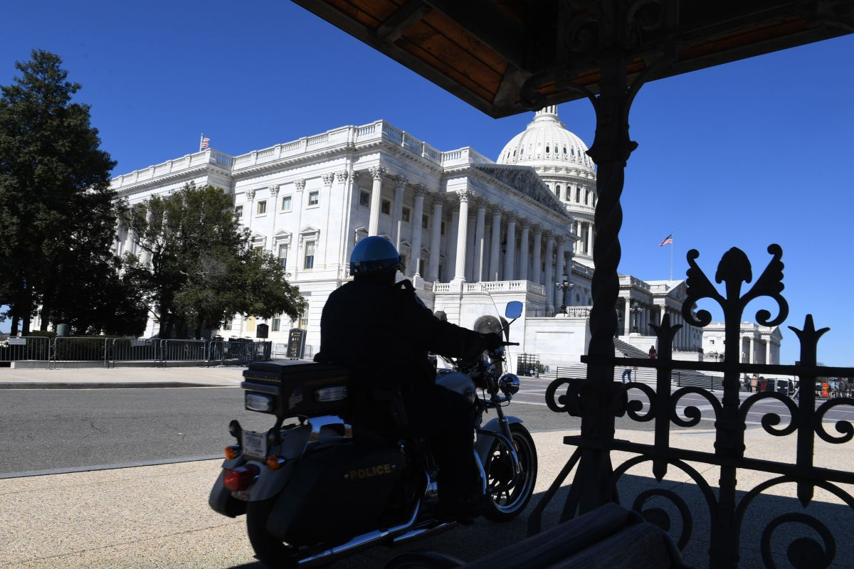 """Policía del Capitolio en Washington DC tiene información muy """"delicada"""" sobre supuesto asalto al Capitolio mañana jueves"""