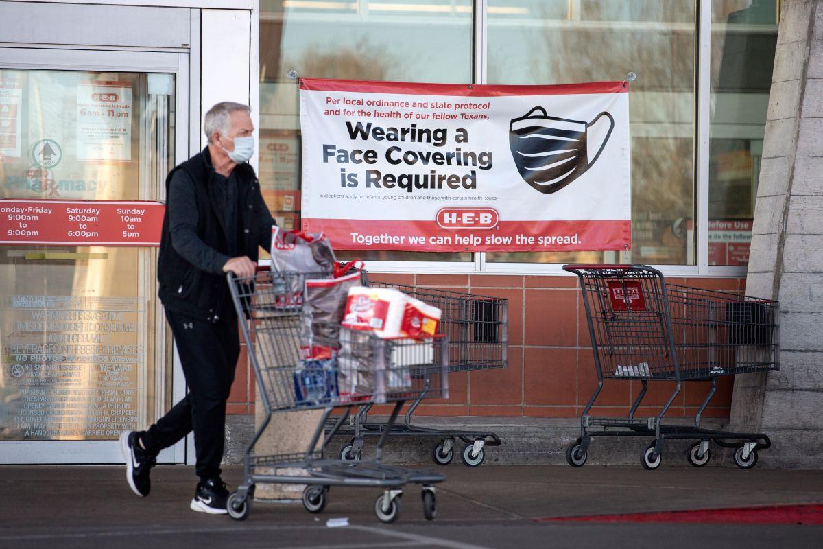 Estas son las cadenas de tiendas y empresas que seguirán exigiendo el uso de mascarillas una vez que se levante la restricción en Texas