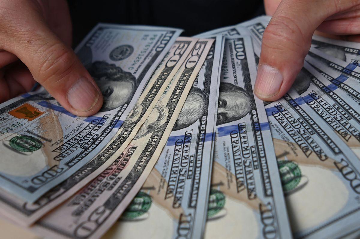 Antes de realizar cualquier compra con tu cheque de estímulo cubre tus gastos esenciales y paga todas tus deudas.