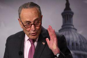 Chuck Schumer insiste por Twitter que paquete de estímulo será aprobado cuanto antes en el Senado