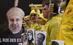 Mujer en Irán es ejecutada en la horca por su propia hija en venganza por haber matado al padre