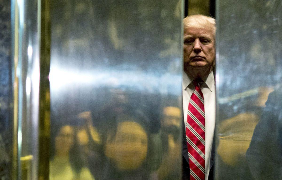 El expresidente volvió temporalmente a la Torre Trump.