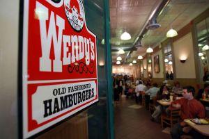 Flynn Restaurants, dueños de Taco Bell y Panera, compra Pizza Hut y Wendy´s