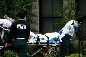 Asistentes de Cuomo modificaron el informe sobre muertes en hogares de ancianos por Covid-19