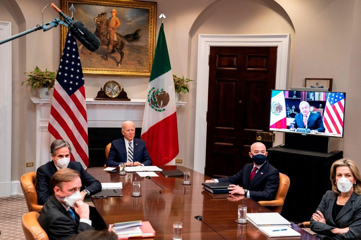 Biden dice que hablará con AMLO sobre envío de vacunas COVID a México