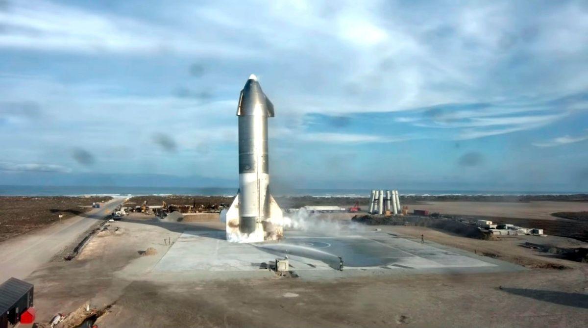 Algunos usuarios temen viajar a la Luna gratis con cohete de SpaceX por miedo de morir en el intento