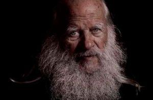 Durante 32 años no se ha afeitado la barba por una poderosa razón