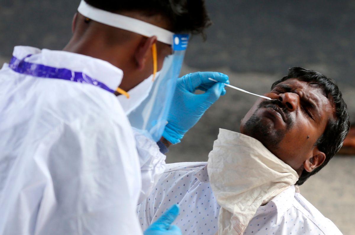 """¿Debe preocuparnos la variante de """"doble mutación"""" del coronavirus encontrada en India?"""