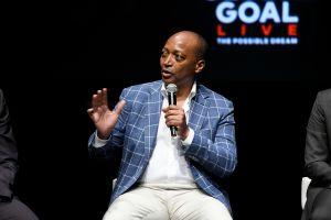 """Patrice Motsepe, el multimillonario que quiere salvar al fútbol africano y convertirlo """"en el mejor del mundo"""""""
