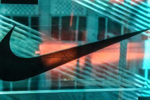 """Zapatillas satánicas"": Nike demanda a Lil Nas X por ostentar sangre humana en su calzado"