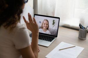 Niñera virtual, el trabajo que está de moda en Estados Unidos