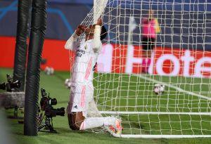 VIDEO: De lo sublime a lo ridículo, armó la jugada como Pelé y la definió como… Vinicius