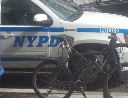 Camioneta atropella a familia de 6 en El Bronx