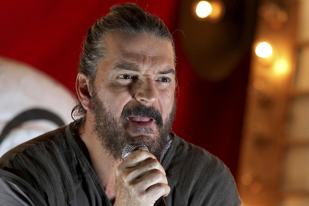 Ricardo Arjona le hace una confesión a su hija