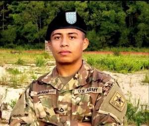 La madre del soldado hispano desaparecido hace dos meses teme lo peor