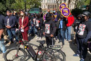 Presentan proyectos de ley para defender la dignidad y dar protecciones a 'deliveristas' en Nueva York