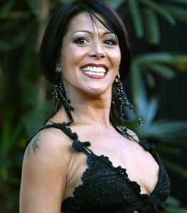 Alejandra Guzmán hablaba de una cirugía estética y no sabía que el micrófono estaba abierto ¡Todo el mundo la escuchó!