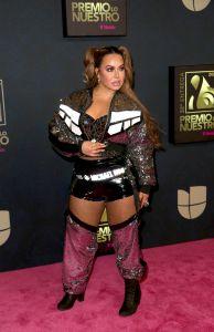 Chiquis Rivera presume los piernones con pantimedias y vestido ultra corto en Instagram