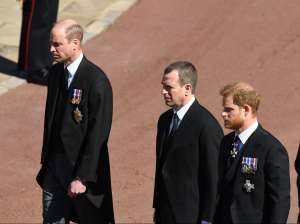 Sale a la luz qué se dijeron los príncipes William y Harry en el funeral del duque de Edimburgo