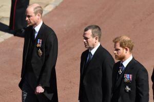 Sale a la luz qué se dijeron los príncipes William y Harry en el funeral del duque de Edimburgo