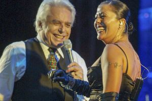 Parece que Alejandra Guzmán le da la espalda a Enrique Guzmán