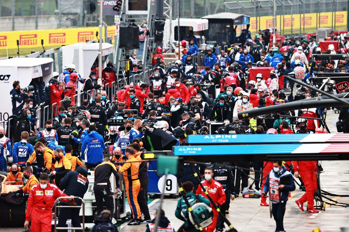 Video: aparatoso choque entre Russell y Bottas a 300 km/h que detuvo el GP de Imola