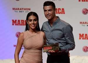 Georgina Rodríguez presume su 'colita' y Cristiano Ronaldo la abraza: amor en el gimnasio