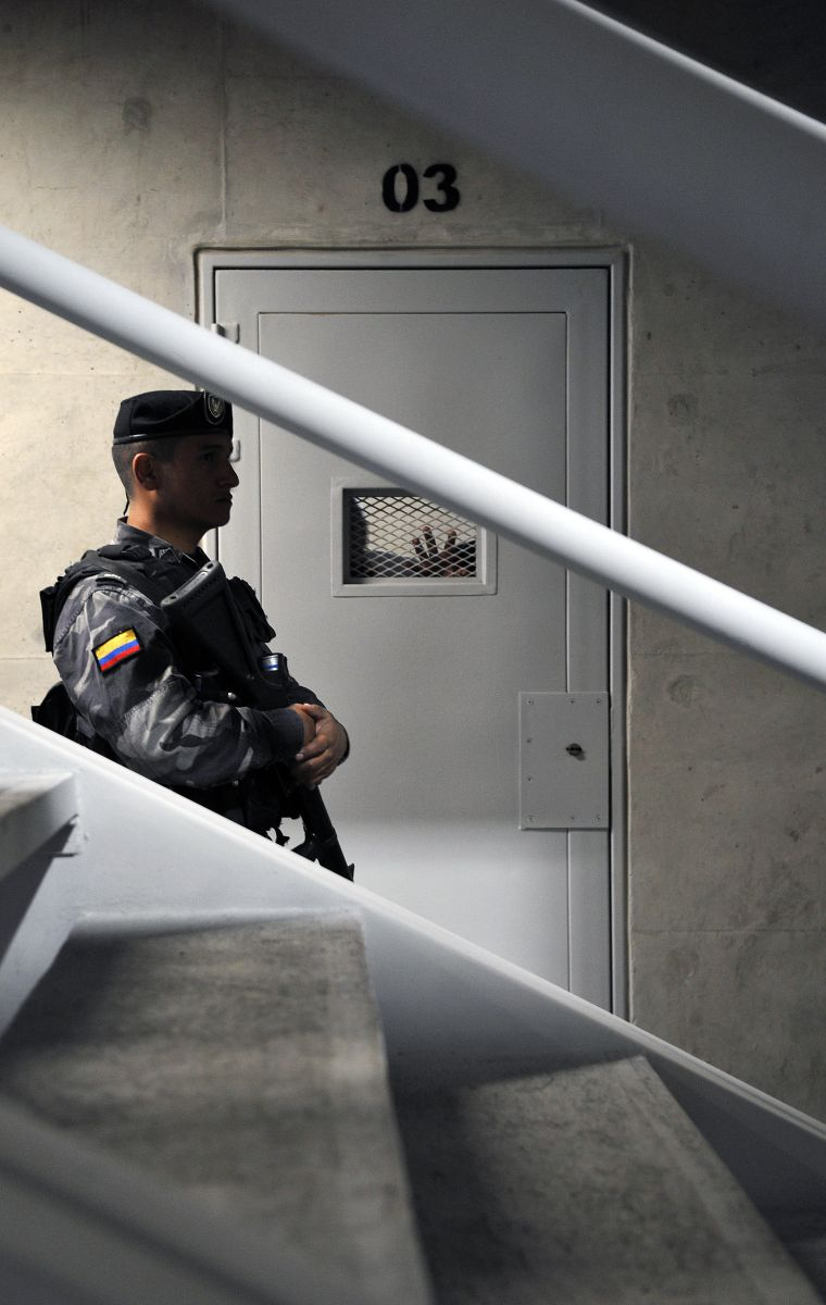 """Capturan al """"monstruo del auto negro"""", sospechoso de violar a 30 mujeres en Bogotá, Colombia"""