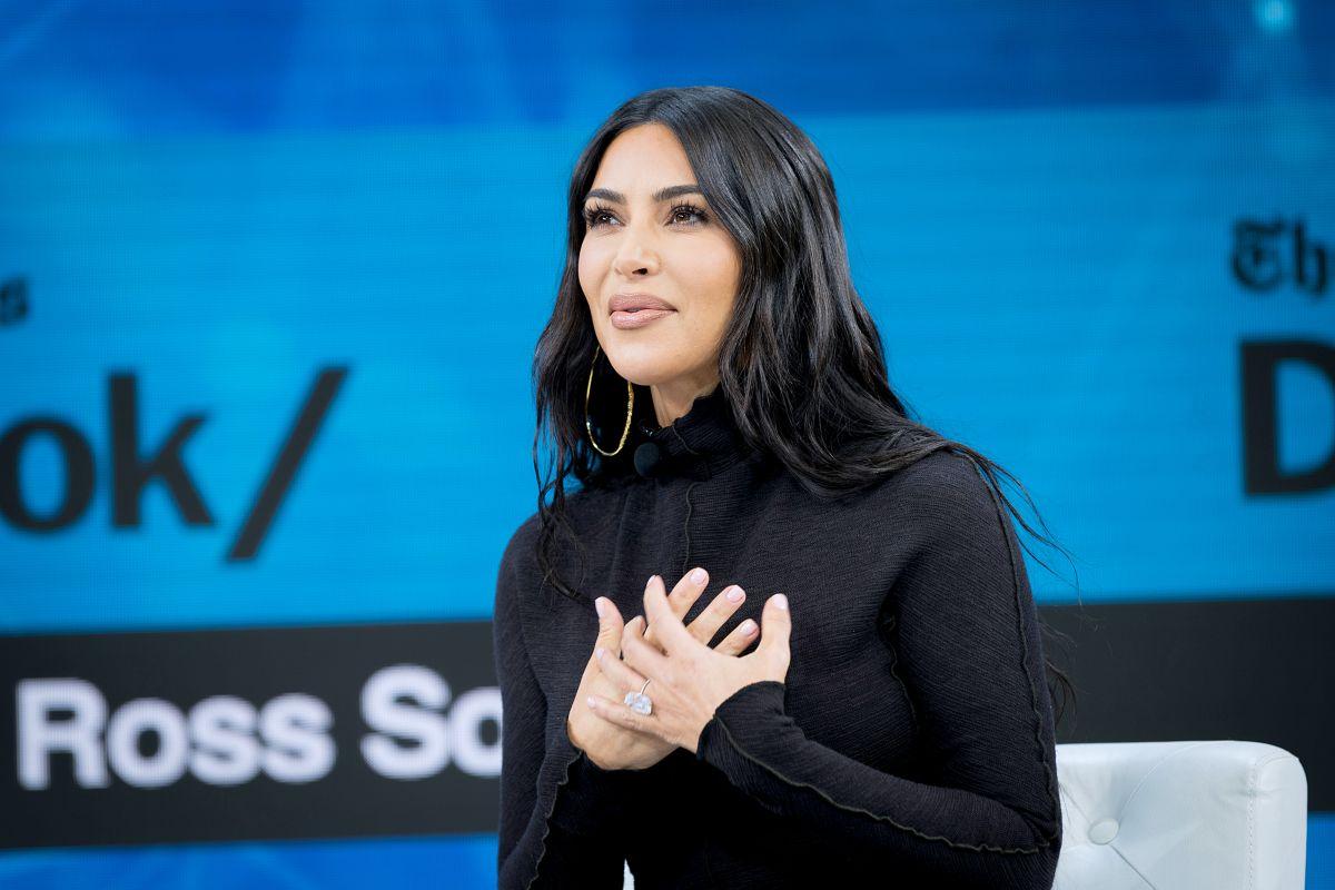 Kim Kardashian es feliz al ver su cuenta bancaria y cree que como ella toda su familia será pronto 'milmillonaria'