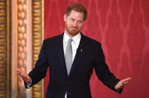 Se burlan terriblemente del príncipe Harry en Japón