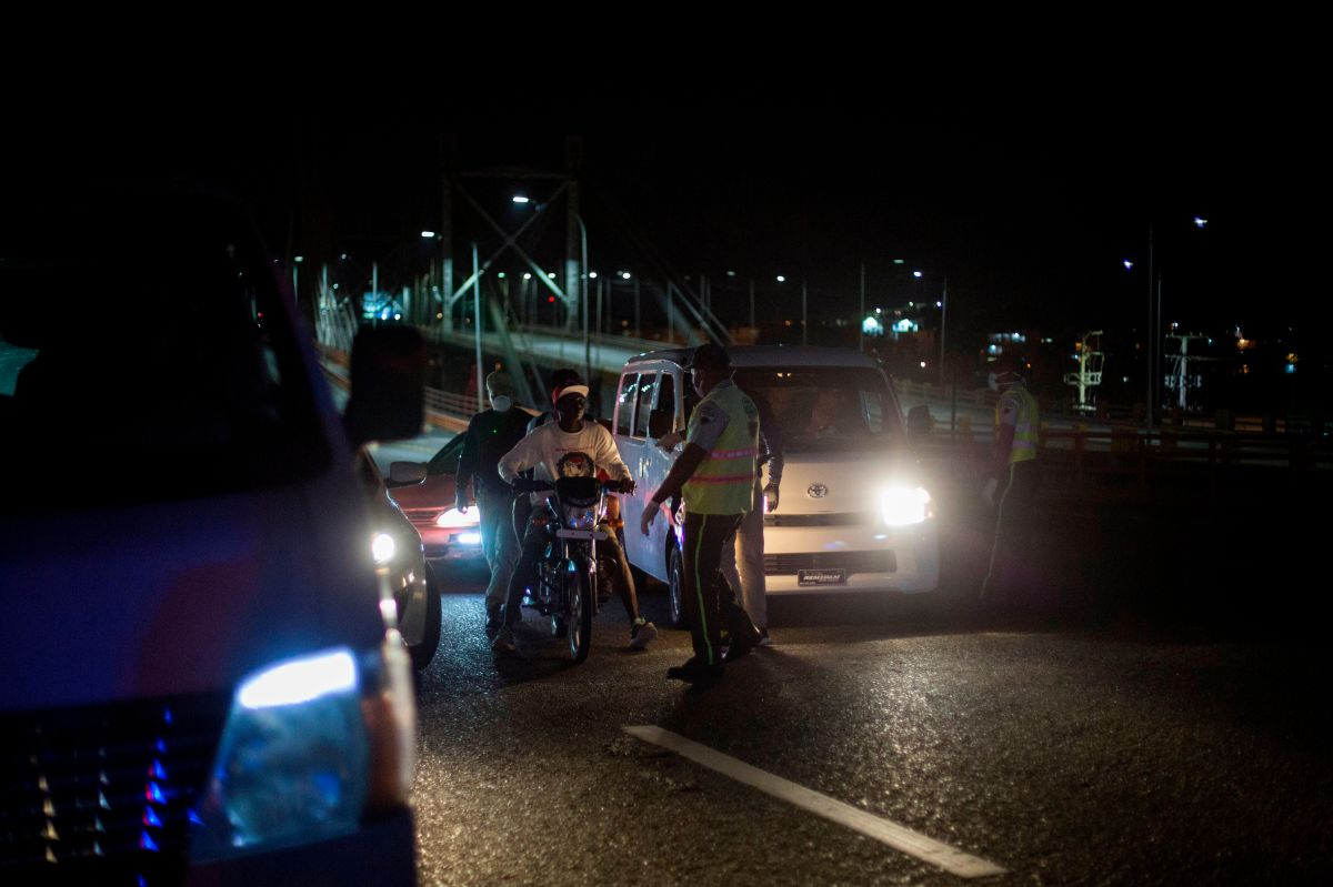 """Policías en República Dominicana matan a tiros """"por error"""" a esposos pastores cuando regresaban de culto religioso"""