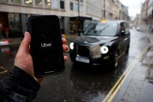 Mujer enfrenta cargos en Florida por tratar de ahorcar a chofer de Uber y morderle el cuello