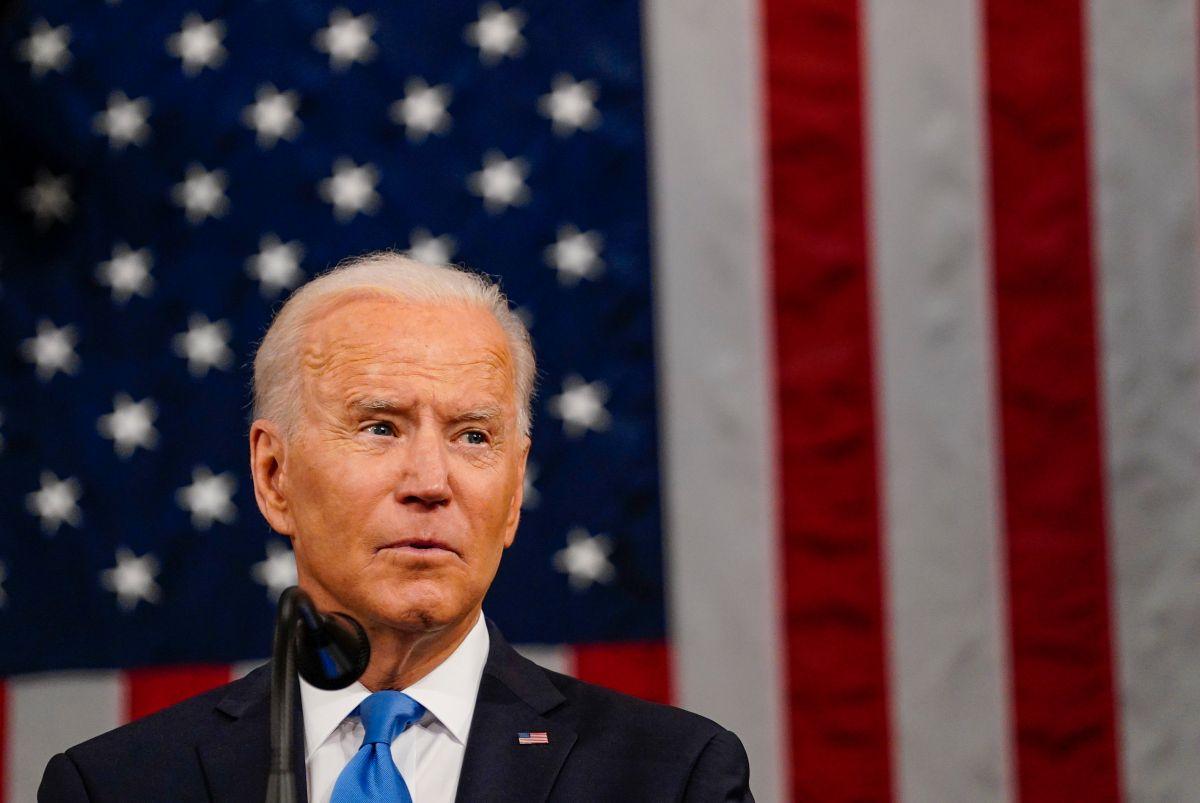 """""""No envíe a sus hijos, punto"""": Biden endurece su mensaje sobre los niños migrantes que cruzan solos la frontera"""
