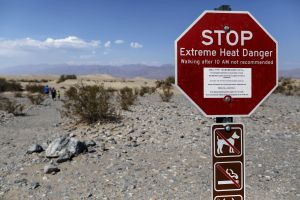 Hallan muerto en caluroso parque de California a empleado de representante Raúl Grijalva; se había perdido junto a su novia
