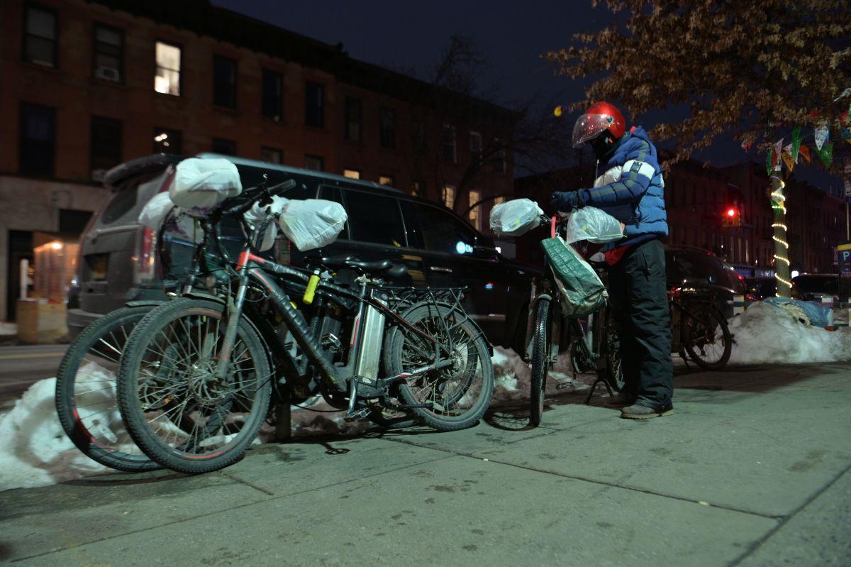 Repartidores tomarán las calles de Nueva York tras asesinato de mexicano