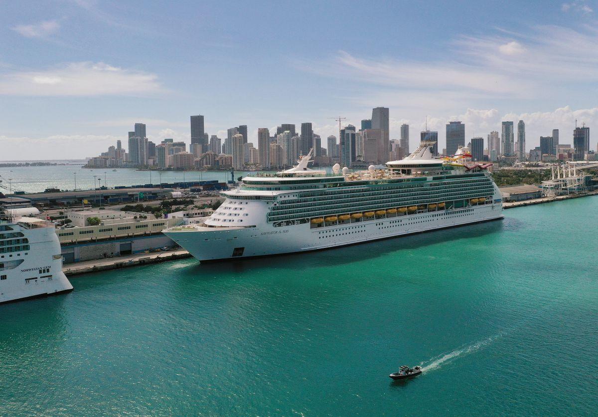 """Los CDC anuncian una guía para que pronto los estadounidenses puedan """"viajar seguros"""" en crucero"""