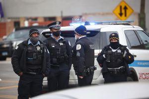 Crece indignación por menor hispano de 13 años baleado por la policía en Chicago en medio de persecución