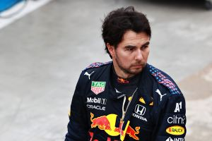 """Checo"" Pérez pide disculpas y dice que manejó como un idiota"