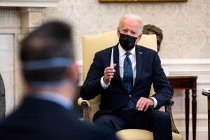 Biden está abierto a que ciudadanía para indocumentados se integre a plan económico en el Congreso