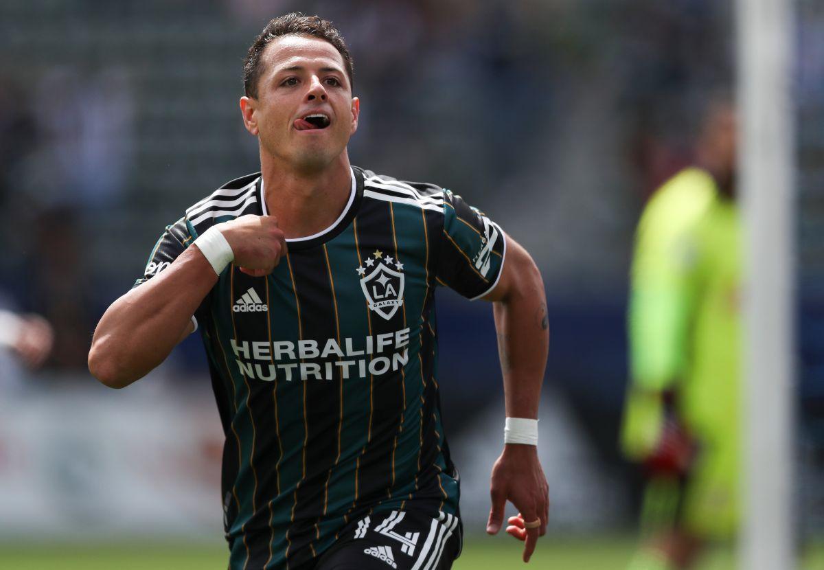 Chicharito apoyará desarrollo del fútbol en comunidades latinas y afrodescendientes de EE.UU