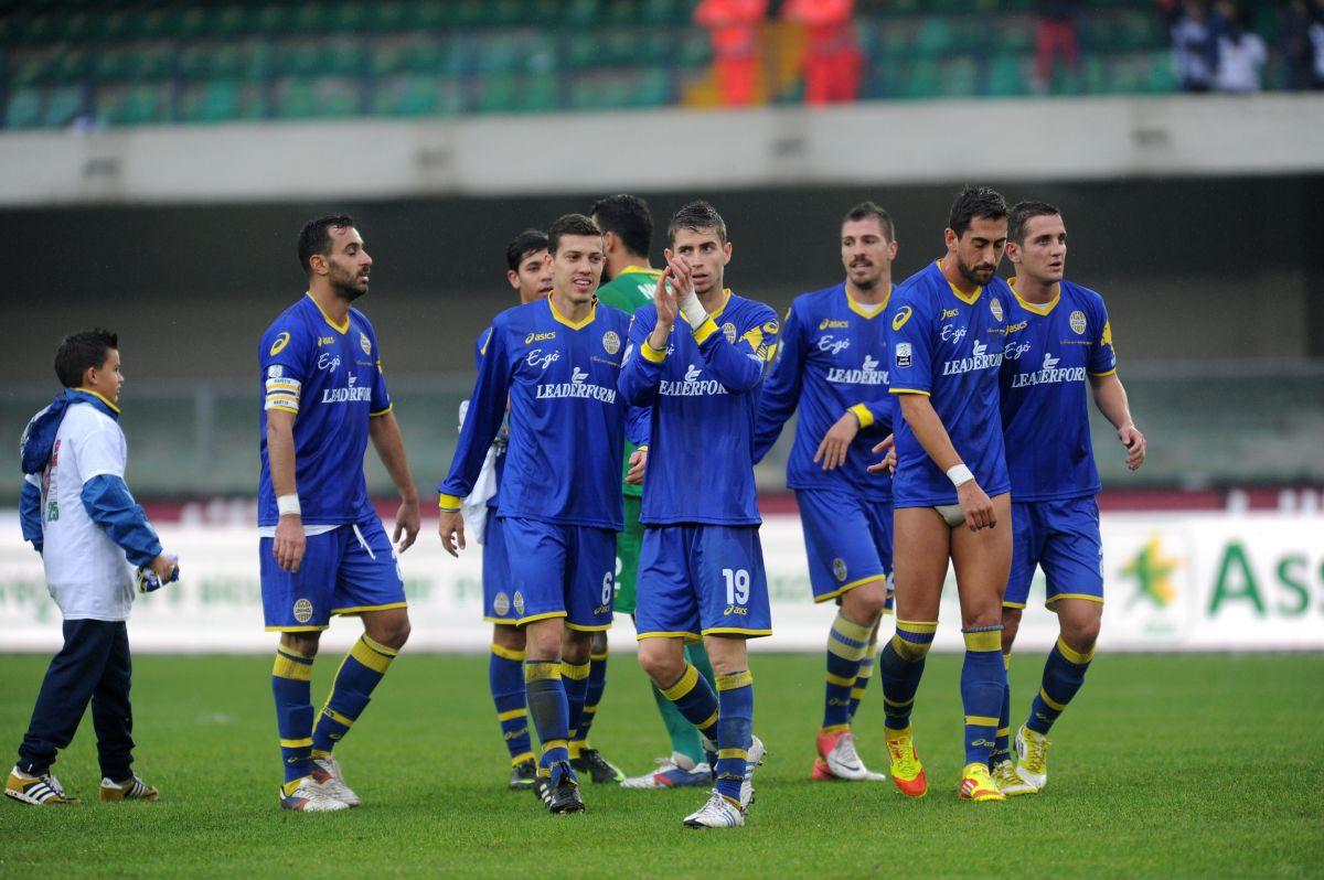 Acusan a cinco futbolistas de un equipo italiano de violar a una chica de 20 años