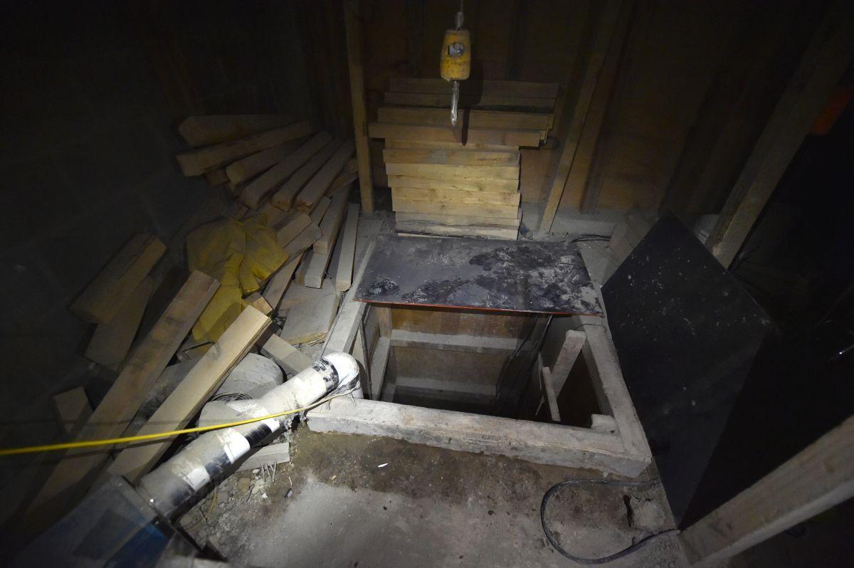 """Vista del túnel por el que se fugó el 11 de julio de 2015, """"El Chapo"""" Guzmán, del Altiplano, en Almoloya de Juárez."""